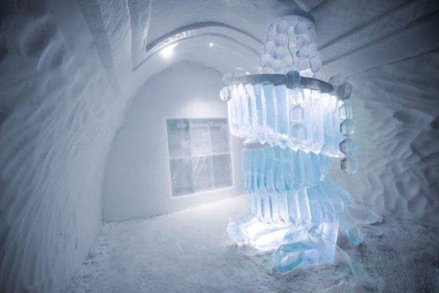 """C'è anche un valsusino fra i """"muratori"""" dell'Hotel di ghiaccio di Jukkasjärvi"""