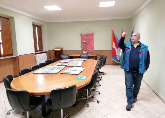 """Valgioie, """"restyling"""" interno di municipio e scuola"""