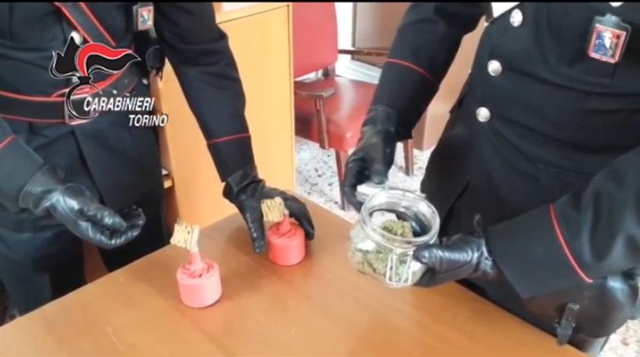 Droga e bombe carta, i Carabinieri arrestano un 24enne ad Almese