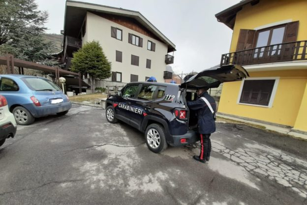 Svaligiavano le seconde case a Bardonecchia. I Carabinieri arrestano tre persone