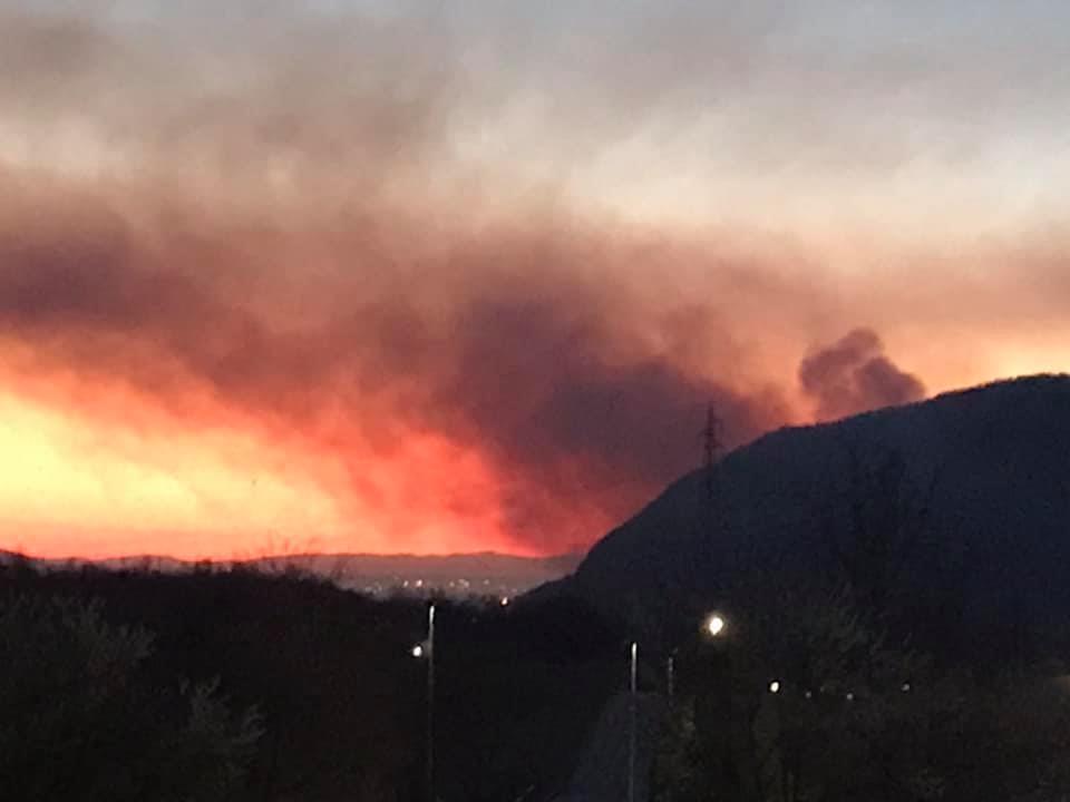 Incendio in Val Sangone: intervengono gli Aib e i Vigili del Fuoco