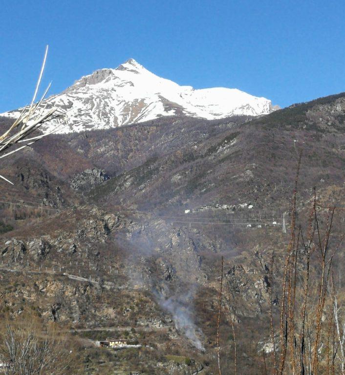 Nuovo incendio in Val di Susa: intervengono Aib e Vigili del Fuoco
