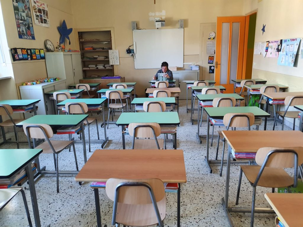 Scuola, per gli studenti delle superiori ancora dad fino al 16 gennaio. Tutti gli altri rientrano il 7