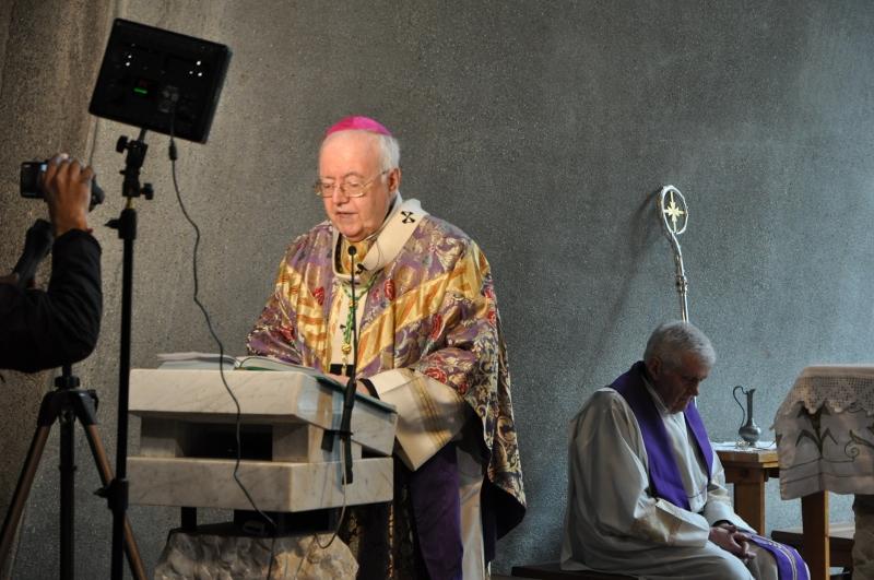 Mons. Nosiglia, Rosario nel Camposanto di Susa