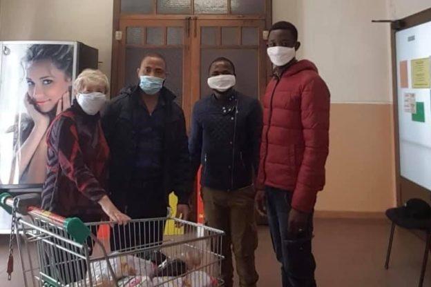 I migranti accolti in Val di Susa non dimenticano l'ospitalità ricevuta