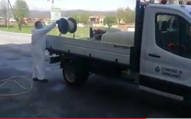 Lotta al Coronavirus: a Sangano si sanificano le strade