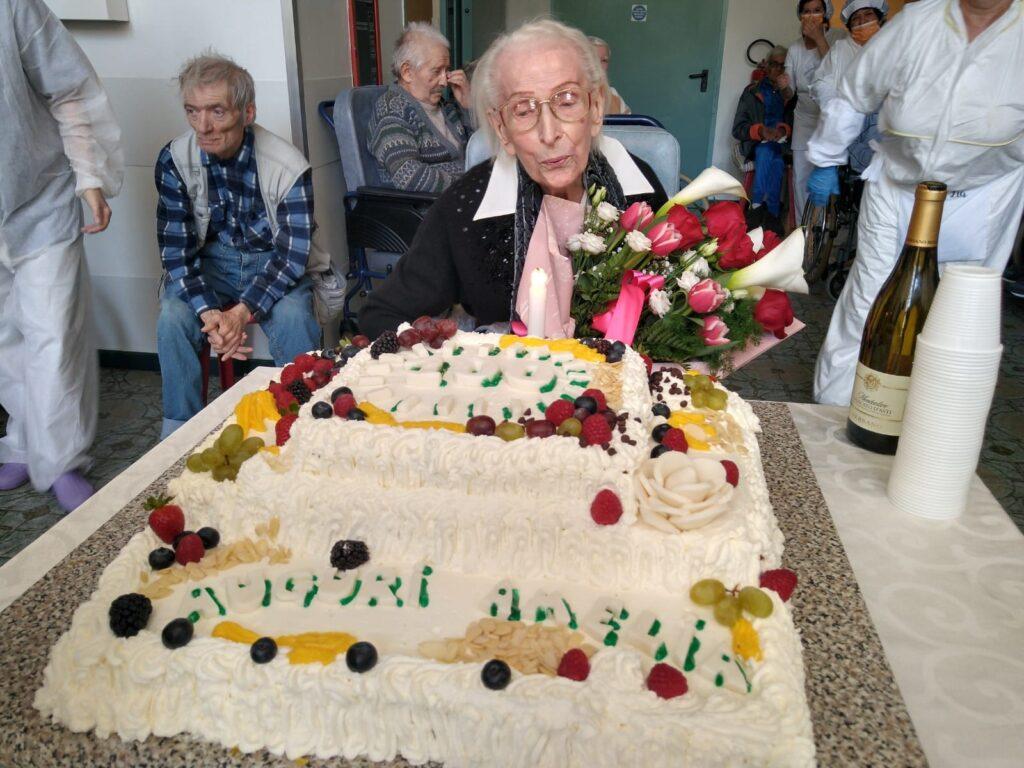 Susa, grande festa per i 100 anni di Amelia Chiabrera