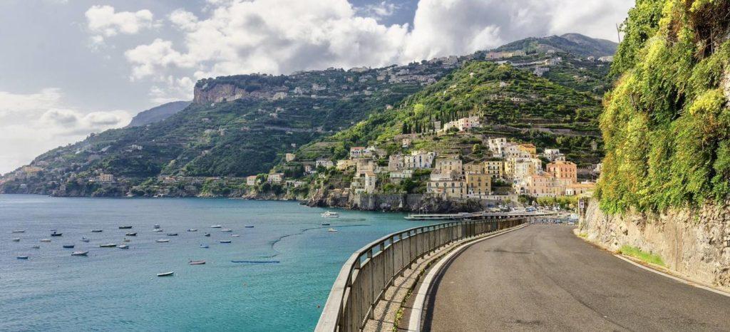 Gli studenti del Maria Ausiliatrice di Giaveno vanno in gita (virtuale) sulla Costiera Amalfitana