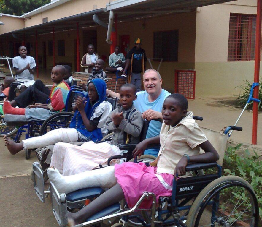 Lutto nell'associazione Rainbow4Africa: è morto il dottor Davide Cordero