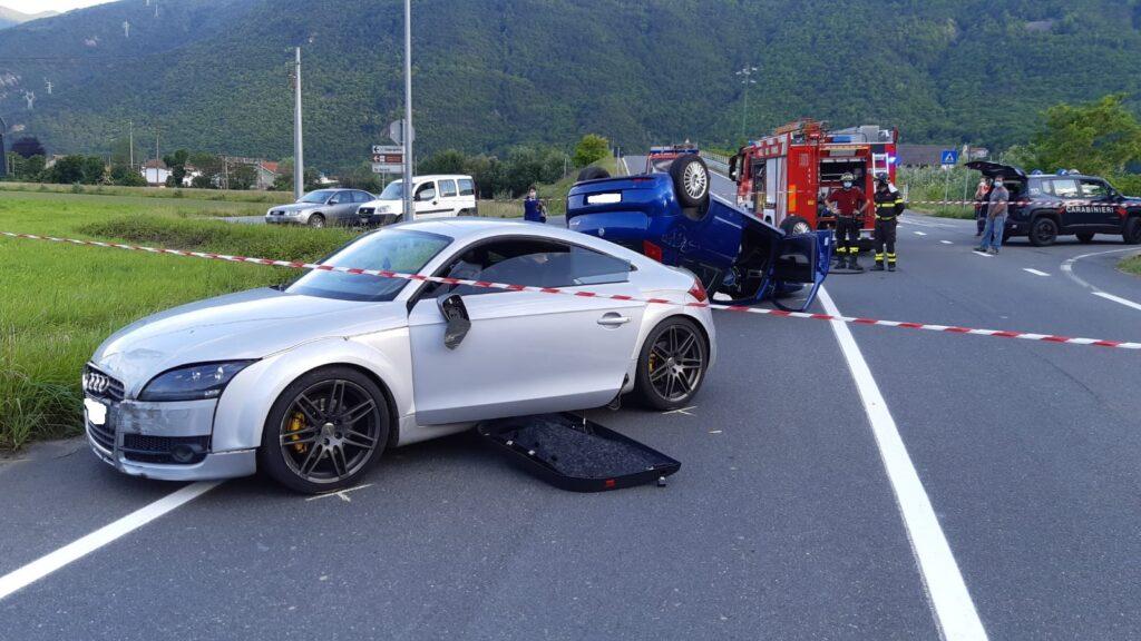 Scontro fra auto in Val di Susa, una si cappotta. Interviene l'elisoccorso