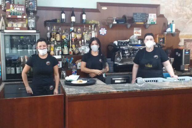 Anche a Giaveno caffè e brioche serviti di nuovo al tavolo