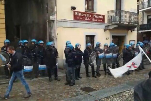 Flash mob No Tav a Susa: tensione con le Forze dell'Ordine
