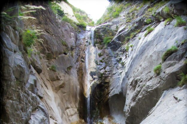 Resta impigliato sulla ferrata dell'Orrido di Foresto: liberato dal Soccorso Alpino