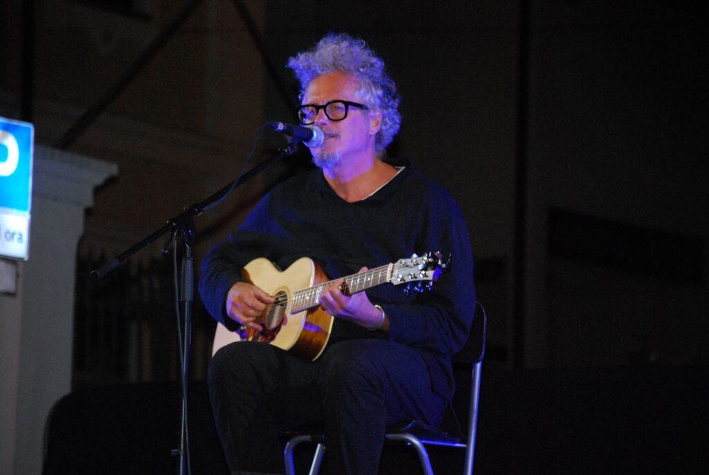 Borgate dal Vivo: Niccolò Fabi ha incantato il pubblico di Bussoleno