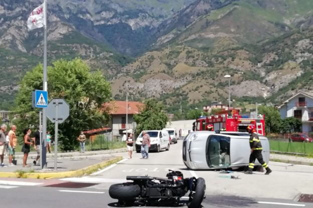 Bussoleno, ennesimo incidente stradale all'incrocio dei Baroni
