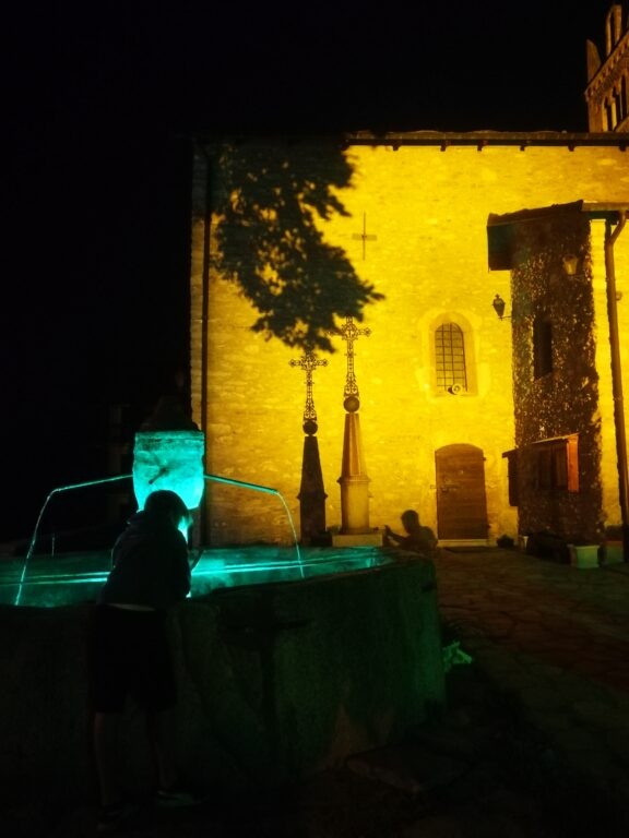 Atti vandalici a Sauze d'Oulx: presa di mira la storica fontana