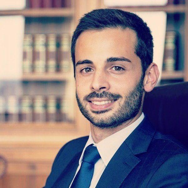 Rosta, scritte ingiuriose contro il deputato grillino Luca Carabetta