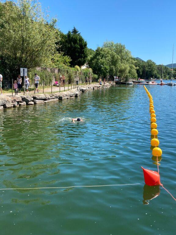 Inaugurata la piscina naturale dentro il Lago Grande di Avigliana