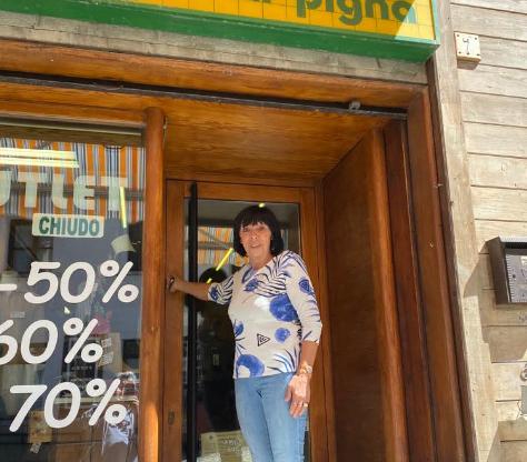 """Sauze d'Oulx, Carla va in pensione e chiude il negozio """"La Pigna"""""""
