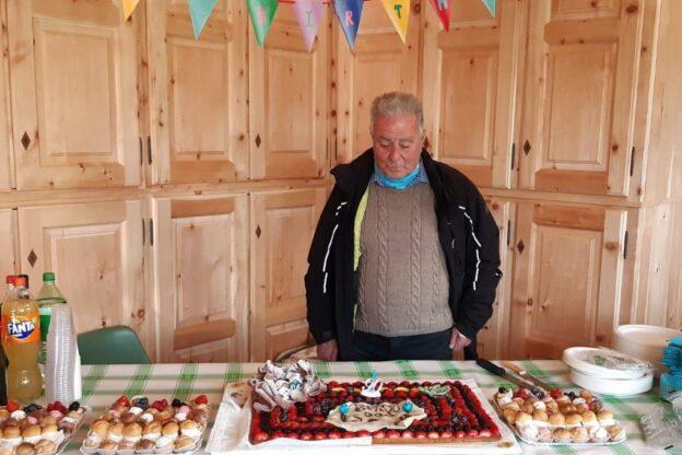 Sestriere, 90 candeline per don Bellissima, sacerdote e maestro di Sci
