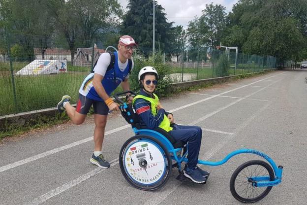 """Il """"Triathlon del cuore"""" del reanese Matteo Torta da Avigliana a Torino"""
