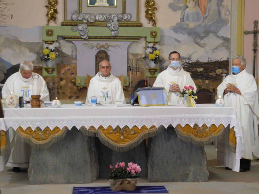 Mons. Luciano Vindrola ha ricordato i suoi primi 50 anni di Messa