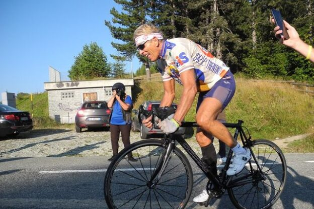 "Rucchione ce l'ha fatta: Da Villar Dora al Lys in bici ma ""tutta in piedi"""