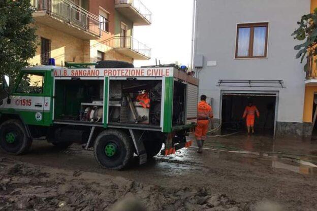 I volontari Aib delle Valli Susa e Sangone soccorrono Ceva sommersa dal fango