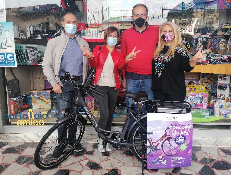 Giaveno, Giorgia vince una bici elettrica in cartoleria