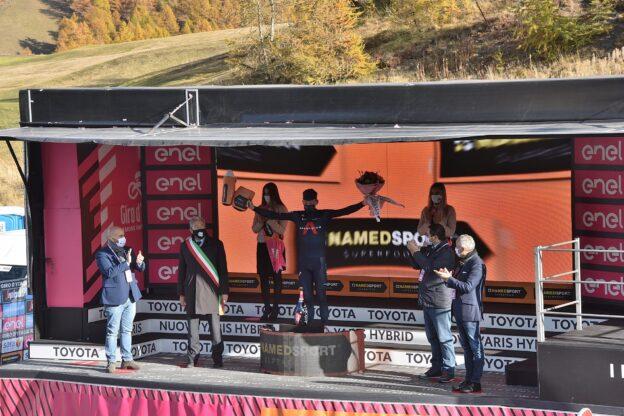 Sestriere, Geoghegan vince la tappa e il Giro d'Italia 2020