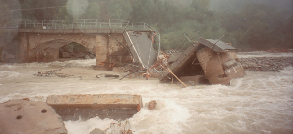 Giaveno, il 15 ottobre di 20 anni fa crollava il ponte sul Sangone