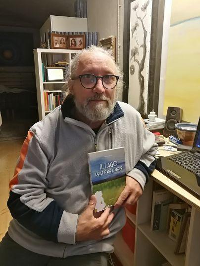 """""""Il Lago delle Rane Bianche"""": il nuovo libro per il Maestro Bruno Carraro"""