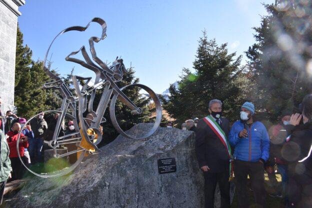 Sestriere: un monumento per Fausto Coppi