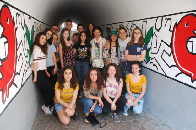 """Susa, coperto il """"mural"""" di via Santa Chiara"""