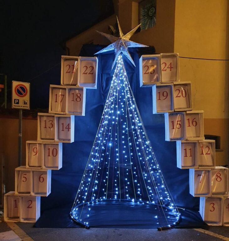 A Sangano sono arrivati il Calendario dell'Avvento e l'Albero di Luce