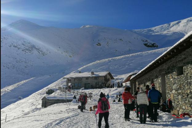 Coazze, il Piemonte torna giallo e la valle del Sellery si riempie di escursionisti