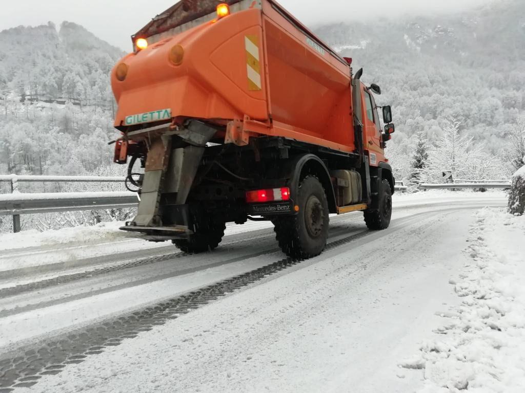Arriva la prima neve, Viabilità metropolitana al lavoro