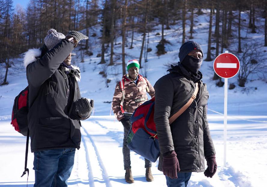 In Alta Val di Susa continua l'emergenza migranti. Intere famiglie tentano di attraversare la frontiera