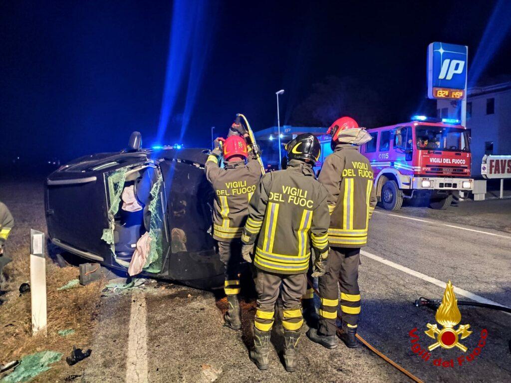 Incidente stradale a Villar Focchiardo: un'auto finisce su un fianco, due feriti