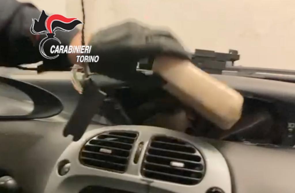 Susa, i Carabinieri sequestrano 6,5 chili di cocaina e arrestano due corrieri della droga