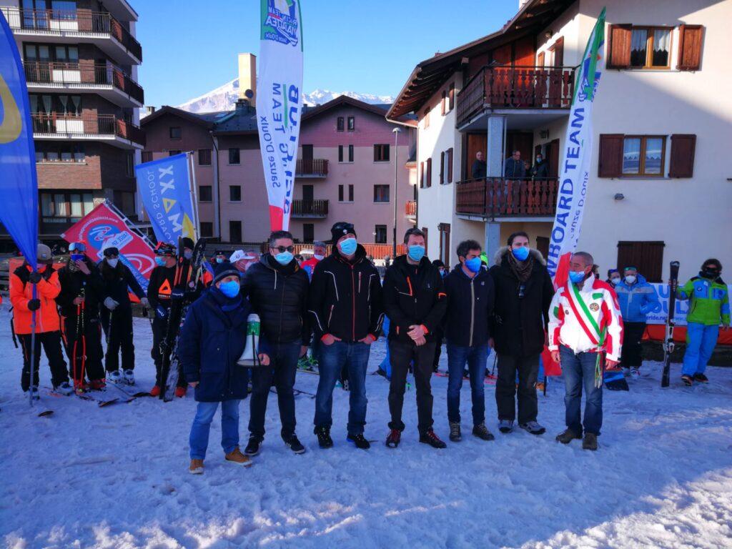 Impianti chiusi, flash mob anche a Sauze d'Oulx con l'assessore regionale Marrone