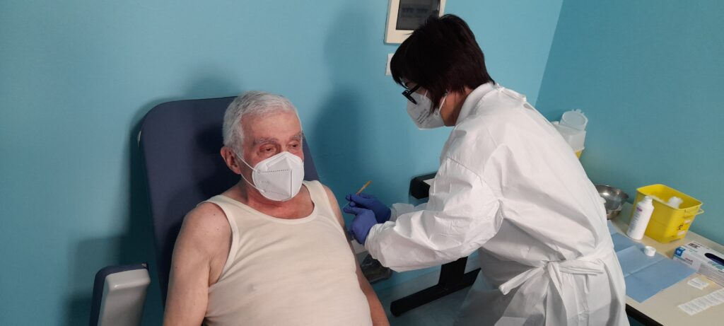 Vaccinazioni anticovid per gli over 80 al via anche a Susa