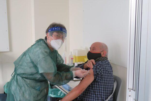 Partite anche a Giaveno le vaccinazioni anticovid per gli over 80