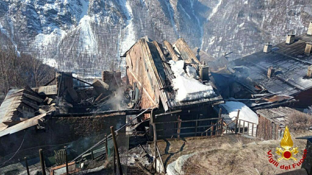 Sauze di Cesana: pesante il bilancio dell'incendio a Bessen Haut