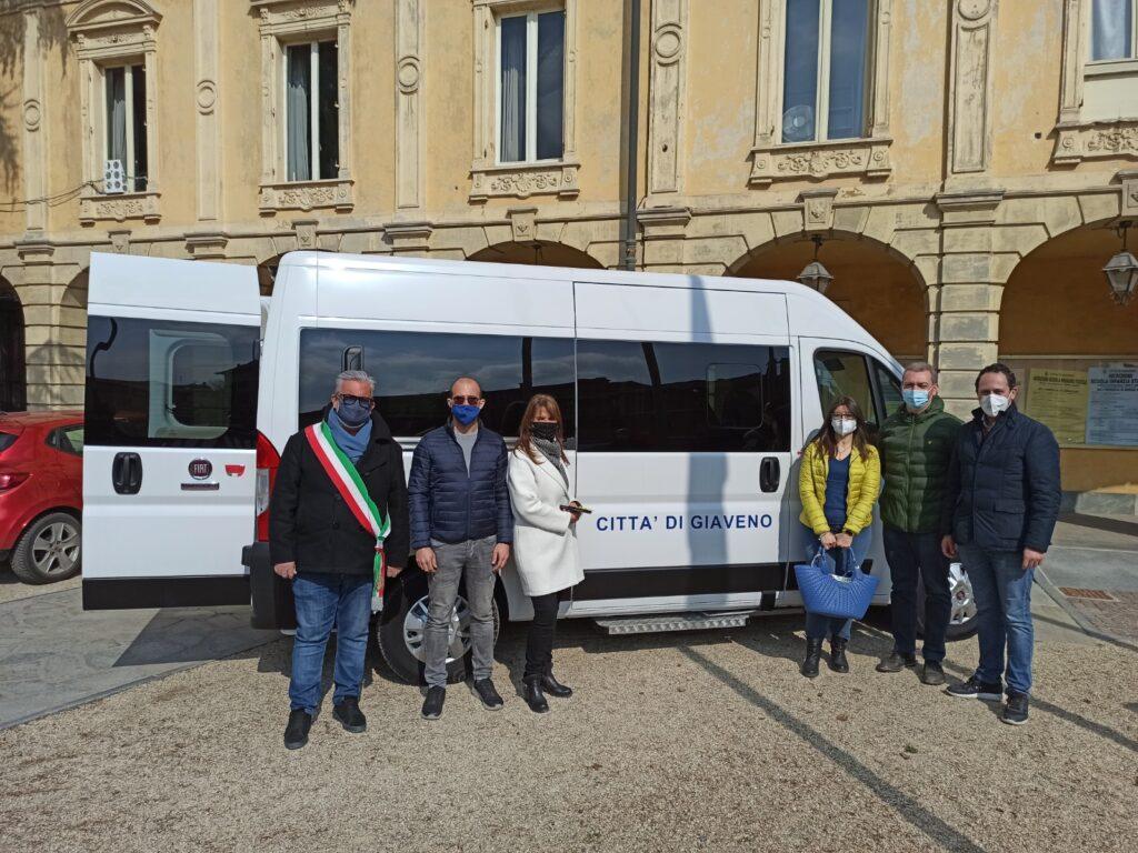 Giaveno ha un nuovo mezzo per il trasporto delle persone con disabilità