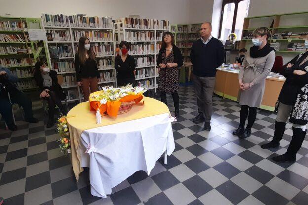 Susa, il Comune omaggia le donne con la tradizionale mimosa