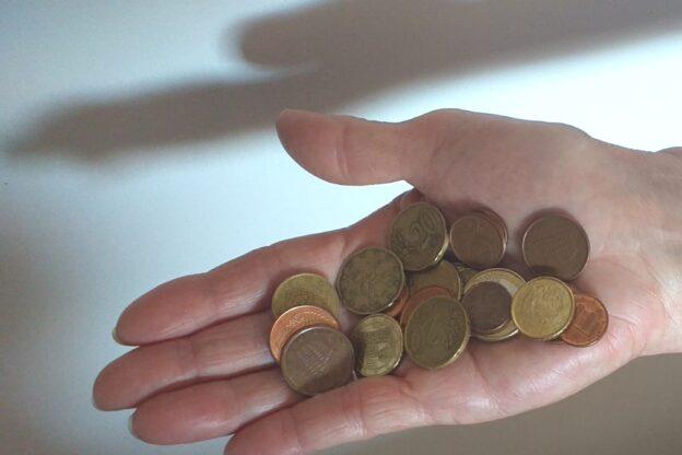 """Susa, furto in un parcheggio: i carabinieri bloccano la """"banda delle monetine"""""""