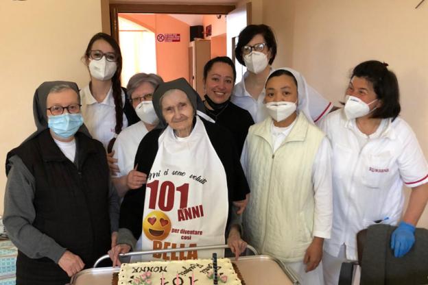 L'Istituto Maria Ausiliatrice di Giaveno in festa per i 101 anni di suor Maria