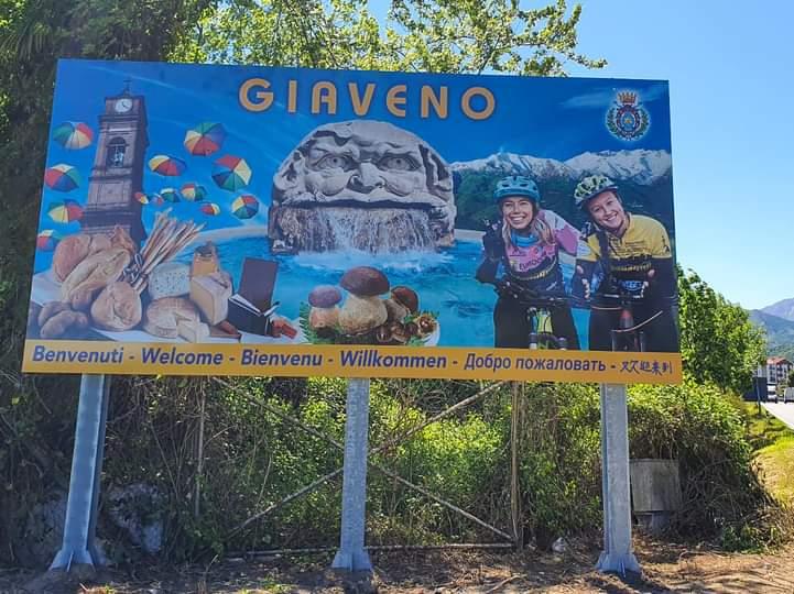 Nuovi cartelloni in 5 lingue agli ingressi di Giaveno, ma i francesi storcono il naso