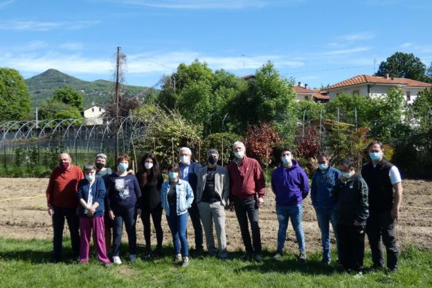 Giaveno, nell'orto del Pacchiotti si coltiva l'inclusione sociale